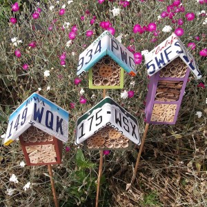 original_custom-license-plate-roofed-bee-hotel